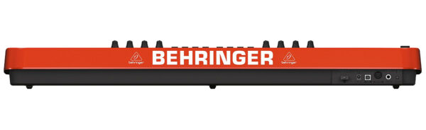 Painel de ligações - Teclado controlador Behringer UMX-490