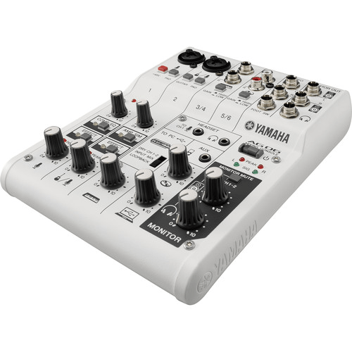 Yamaha AG06 - Mixer com interface